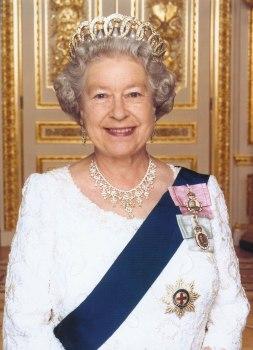 source: http://orderofsplendor.blogspot.com/2011/09/royal-splendor-101-royal-family-orders.html